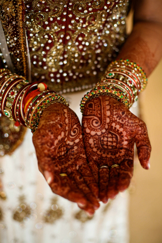 henna-inside-hands